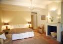 Chambre de la villa provençale sur l'île des Embiez, à proximité de Toulon