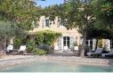 Terrasse et piscine de la villa provençale sur l'île des Embiez, à proximité de Toulon