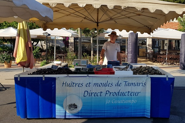 poissons de tamaris sur le marché des embiez en été