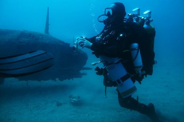 Louis Corteggiani en plongée d'épave