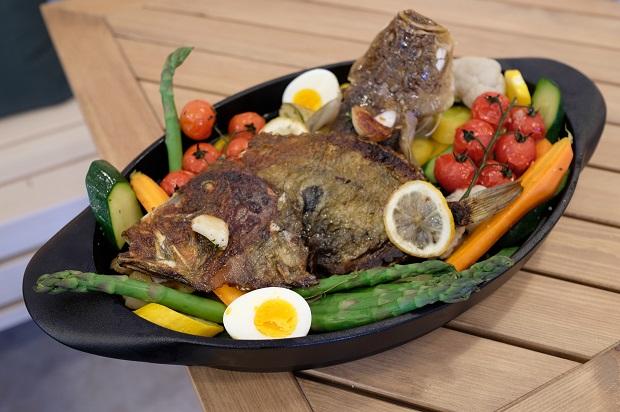 Aioli est un plat provençal proposé toute l'année au SARTI ile des Embiez
