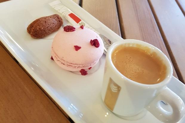 MC SARTI macaron et café