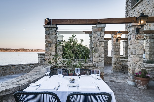 Le Delos, adresse gastronomique de l'île de Bendor, à Bandol