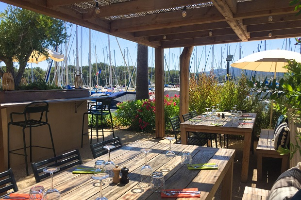 sarti restaurant ouvert à l'année sur l'île des Embiez