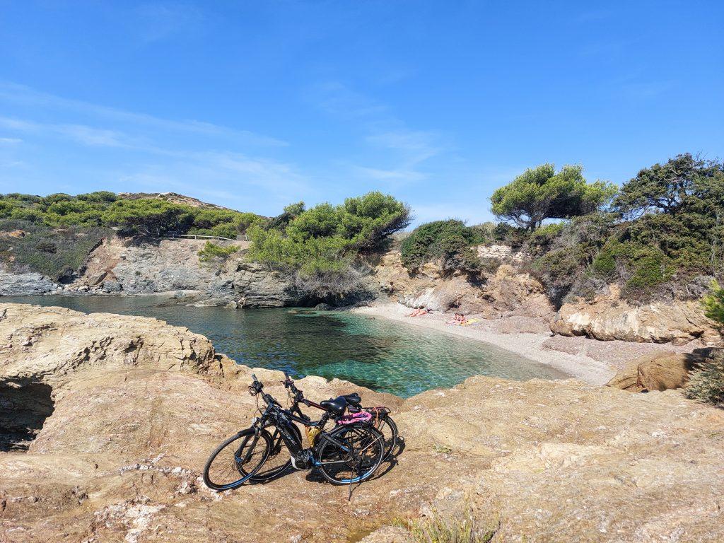 Explorer l'île des Embiez à vélo pour les vacances de la Toussaint